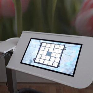Mobilní stolek